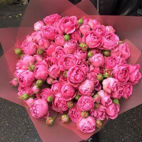 Букет шикарных пионовидных роз