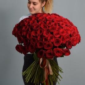 Букет из 101 розы Red Naomi