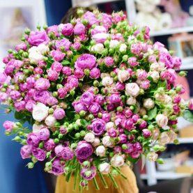 Огромный  букет пионовидных роз