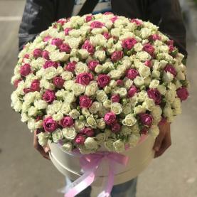 Большая коробка кустовых роз