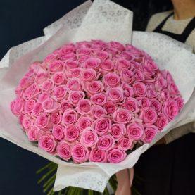 Большой букет из 101 розовой розы
