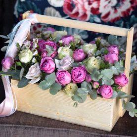Композиция с пионовидными розами