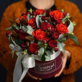 Бордовая композиция с розами