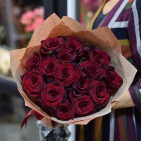Букет из 15 роз Explorer (Эквадор)