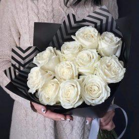 Стильный букет белых роз Эквадор