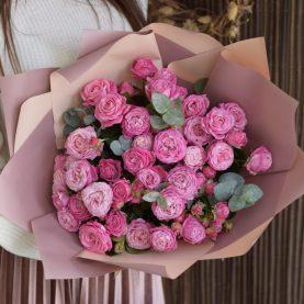 Букет из объемной пионовидной розы